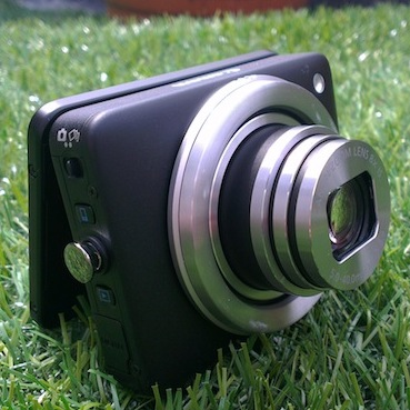 Canon-Powershot-N-thumb-review.jpg