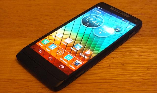 Motorola-RAZR-i-01.JPG