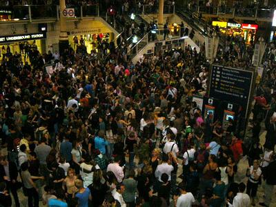 flash-mob-liverpool-street.jpg