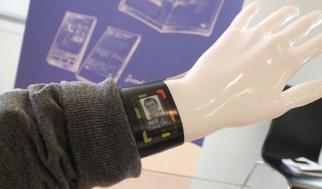 Plastic Logic Smart Watch concept preview: A glimpse at ...