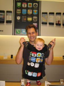 baby-iphone-costume.jpg