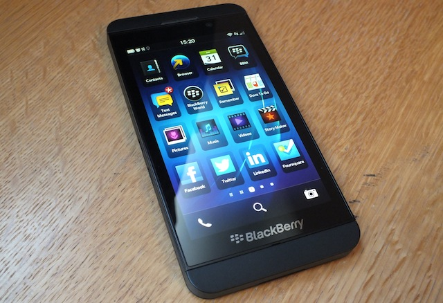 blackberry-z10-02.JPG