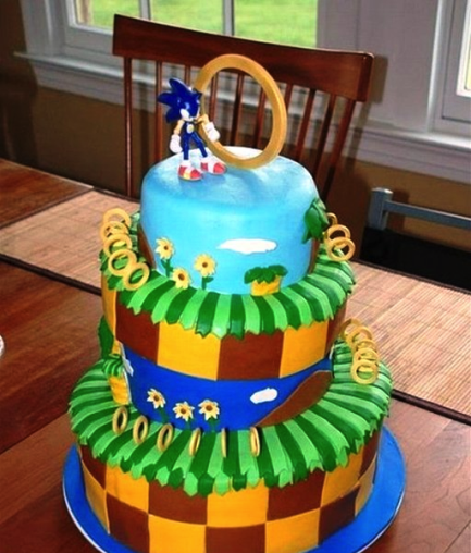A gorgeously detailed Sonic cake - look at the rings!