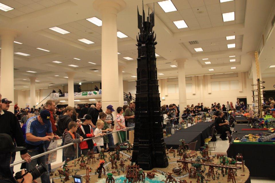 L'univers des Geeks - Page 6 Lotr-lego-tower