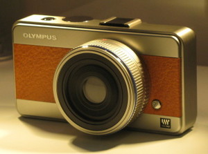 olympus-micro-four-thirds-compact-camera.jpg