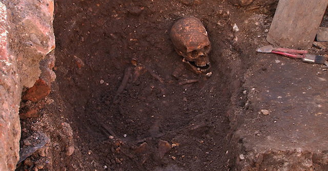 richard-iii-grave.png