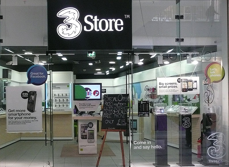 three-mobile-store