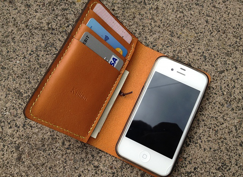 apple-iphone-mobile-wallet