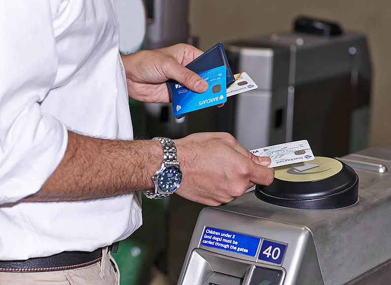 contactless-payment-london-tube