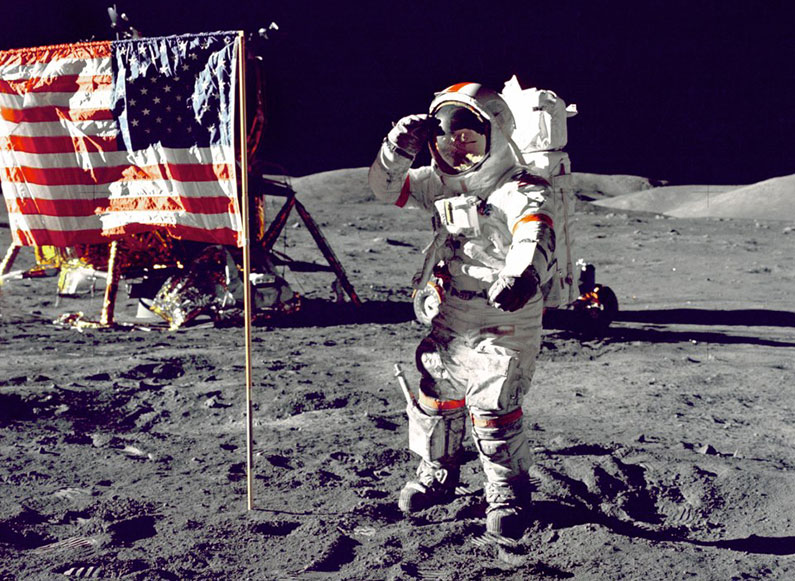 neil-armstrong-on-the-moon-in-1969