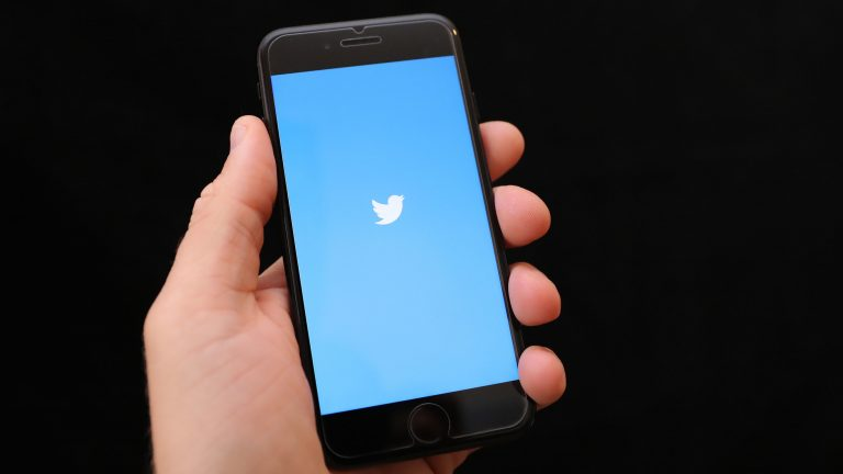 Twitter revenue up 18%, but 6 million less active users than last year