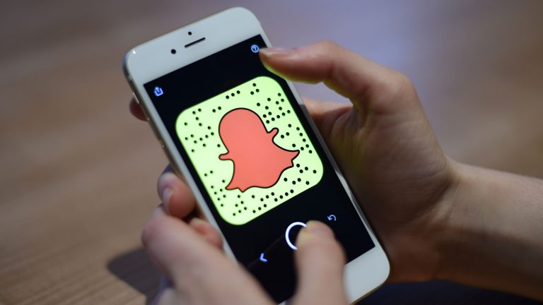 Snapchat reports improved user numbers and revenue rise