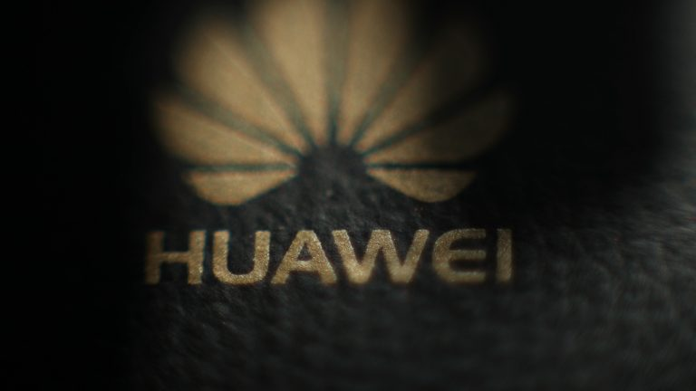 Microsoft resumes sales of Huawei laptops online