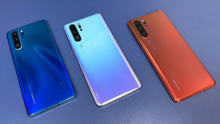 Huawei accused of pushing Booking.com ads to phone lockscreens