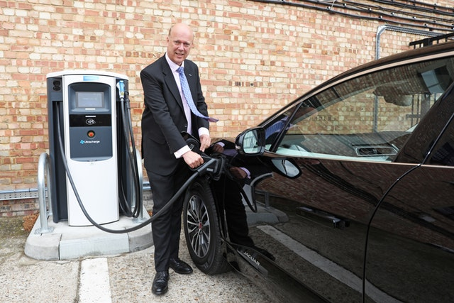 Plans to install electric car chargepoints in every new home